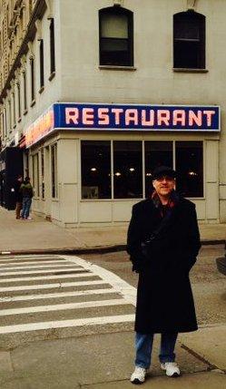 Seinfeld restaurant_crop