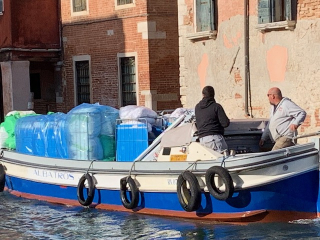 Venice_workingboats