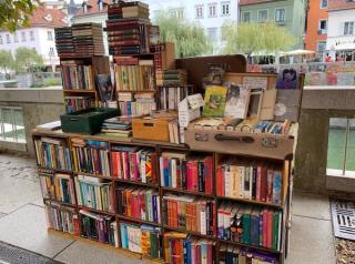 Ljubljana_bookstack